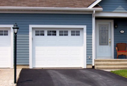 Garage Door Repair U2013 5 Most Common Signs To Look Out For A Garage Door  Technician